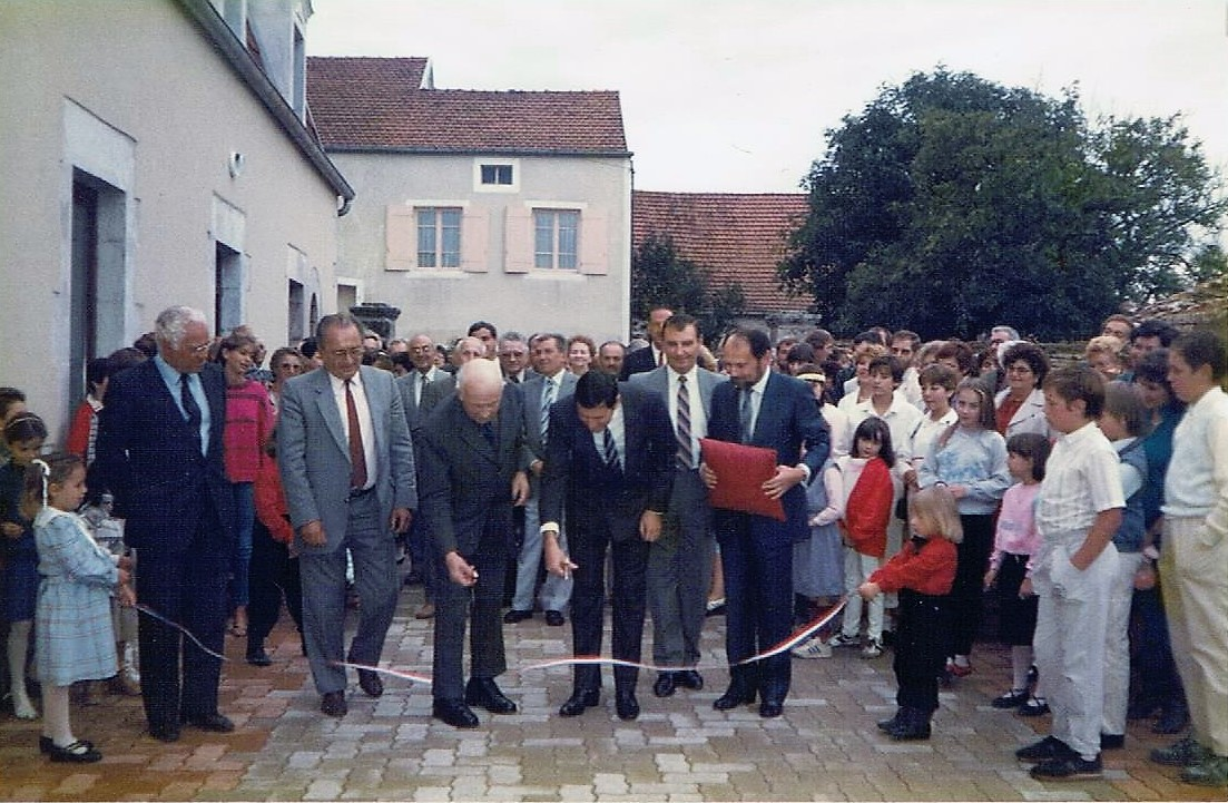 Inauguration salle polyvalente en1985