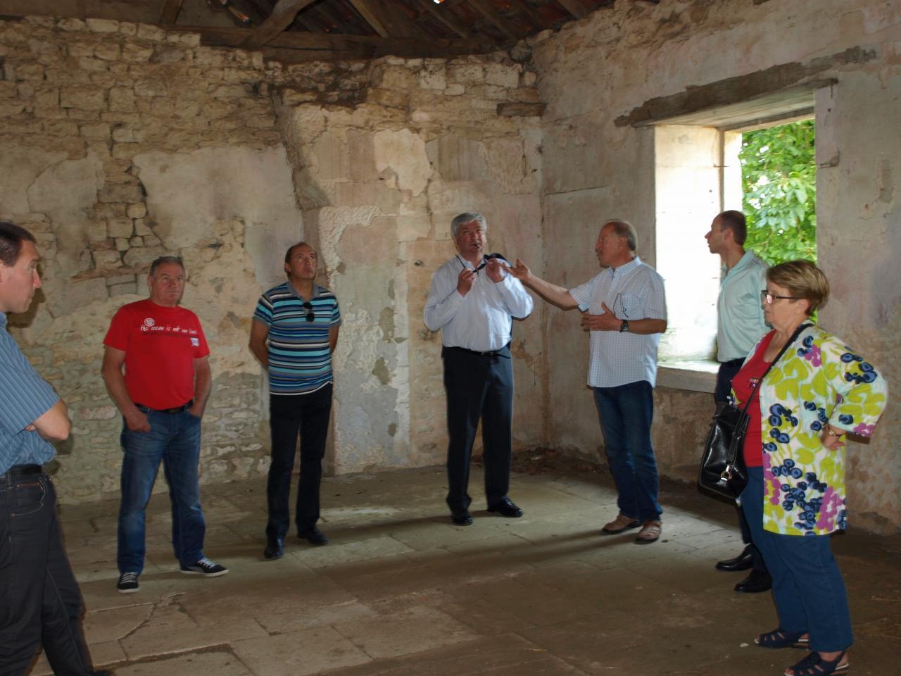 Visite du préfet et des élus à Mormant en 2013